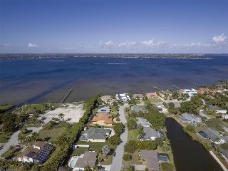 Villa Bonaire - South Fort Myers Lakefront Close to Beaches - Fort Myers vacation rentals