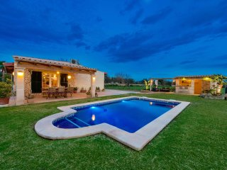 Traditional quiet finca with private pool - Alcudia vacation rentals