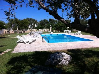 Bright 2 bedroom Galugnano House with Shared Outdoor Pool - Galugnano vacation rentals