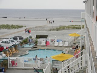 Beach Front Condo - Directly On The Beach - Heated Outdoor Pool - Free Wi-Fi - Wildwood Crest vacation rentals