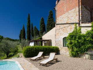 RENOVATED COTTAGE IN CHIANTI WITH SWIMMING POOL, 20 MIN AWAY FROM FLORENCE - Impruneta vacation rentals