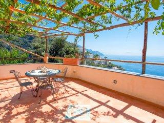 LivingAmalfi Villa Eufemia up to 14 people, sea view, wifi, ensuite bathrooms - Vettica di Amalfi vacation rentals