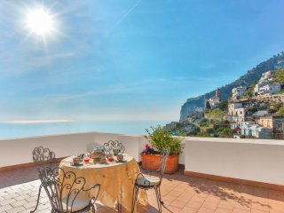 LivingAmalfi Luxury Villa, 2 bedrooms, 2 bathrooms, sea view, wifi, aircondition - Vettica di Amalfi vacation rentals