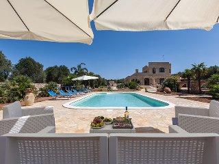 296 Typical Villa with Pool in Santa Maria al Bagno - Santa Maria al Bagno vacation rentals
