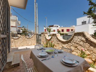 758 House with Garden at 150 m. From the Sea - Lido Marini vacation rentals