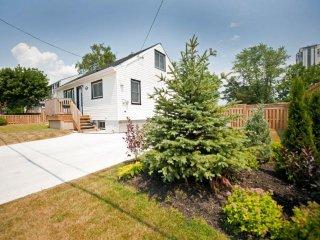 Fallsview Home Close To All Niagara Falls Attractions - Niagara Falls vacation rentals