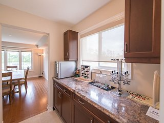 Lions Den Modern Family Home - Niagara Falls vacation rentals