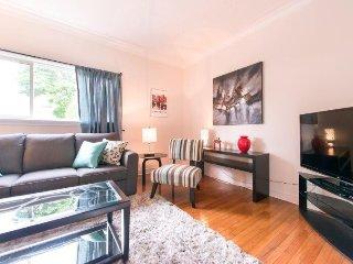 Charming 3 bedroom Niagara Falls House with A/C - Niagara Falls vacation rentals