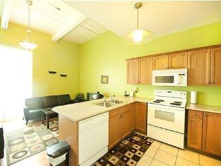 Superior 1 Condominium Niagara Falls - Niagara Falls vacation rentals
