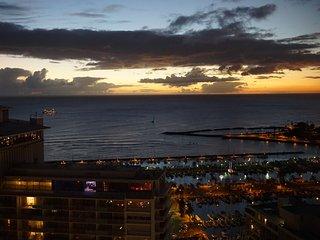 2BR w/Ocean, Diamond Head, Sunset, Firework views! - Honolulu vacation rentals