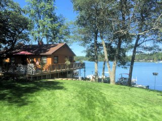 Gorgeous Lake Front Home with 2 Bedrooms,  Outdoor Hot Tub, Fireplace - West Branch vacation rentals