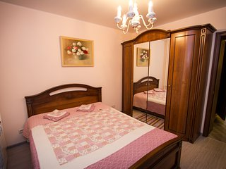 Adorable Apartment with A/C and Wireless Internet in Ilimpiysky District - Ilimpiysky District vacation rentals