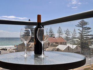 Nice Condo with A/C and Water Views - Henley Beach vacation rentals