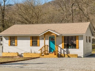 Cozy Bungalow with Deck and Internet Access - Chattanooga vacation rentals