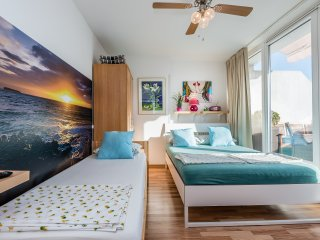 Tripple Apartments mit Terrasse  7 Min. zum Zentrum - Munich vacation rentals