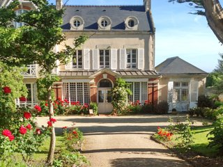 Le Haut Fossé - magnificent 19th century Normandy villa with garden and direct - Grandcamp-Maisy vacation rentals