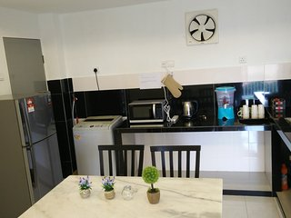 H&A guest House with river view - Melaka vacation rentals