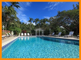 Luxury 6 Bed Villa with Private Pool and Sea Views - Paynes Bay vacation rentals