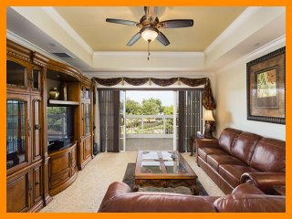 Beautiful Family Condo with Shared Pool - WiFi - Reunion vacation rentals