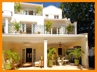 4 bedroom House with Internet Access in Maynards - Maynards vacation rentals