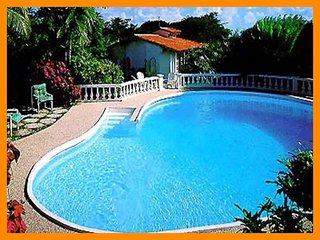 Delightful 2 bed cottage -  private pool, located on a ridge overlooking the ocean - Gibbs Bay vacation rentals