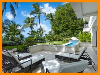 Nice House with Internet Access and Television - Paynes Bay vacation rentals