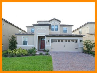 Professionally decorated, striking 7 bedroom rental, Championsgate- Games room- Private pool - Loughman vacation rentals