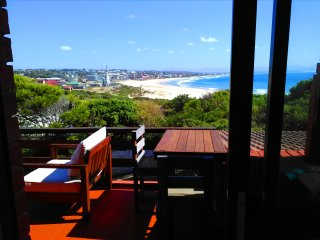 BEACHFRONT 4beds apart. AFRICAN QUEEN SOUTH AFRICA - Jeffreys Bay vacation rentals