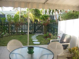Affordable 2 Bed/2.5 Bath Townhome - Blocks From Atlantis Resort! - Paradise Island vacation rentals