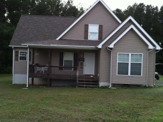 Perfect 4 bedroom House in Clarksville - Clarksville vacation rentals