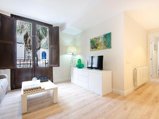 Las Ramblas 2 bedroom 4B apartment - Barcelona vacation rentals