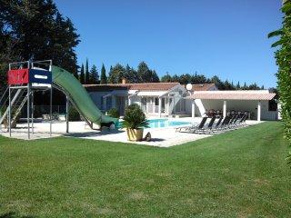 Villa with private pool, sauna & gym - Meynes vacation rentals
