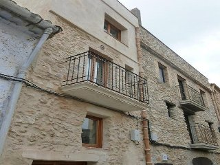 Village house in Perello, El, with roof terrace - El Perello vacation rentals