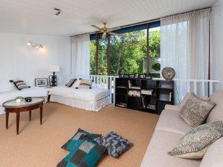 Domaine de Bellevue, villa spacieuse à Mérignac - Martignas-Sur-Jalle vacation rentals