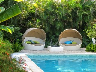 ~~~ WATERFRONT HEATED POOL HOME NEAR BEACH ~~~ - Fort Lauderdale vacation rentals