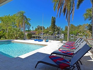 Incredible Water Front Home w/ Pool. Kayaks, Bikes, and Sunshine Included - Siesta Key vacation rentals