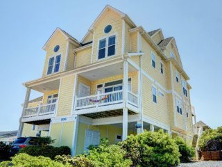 S. Shore Drive 106 | Heart of Surf City | Elevator |Internet | Direct Oceanfront - Sneads Ferry vacation rentals