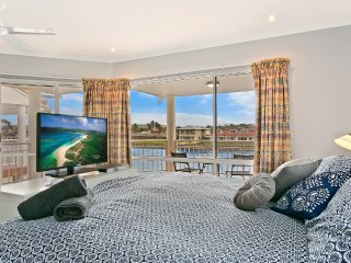 SALT Waterfront Apartment - 3 Bedroom Waterfront Apartment - Port Lincoln vacation rentals