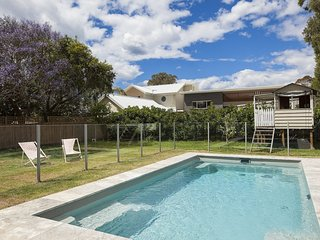 Bright House with Internet Access and Shared Outdoor Pool - Corrimal vacation rentals