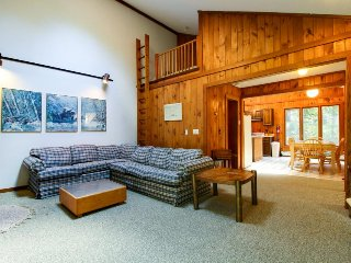 Beautiful, laid-back home with hot tub, sauna, game room, and near Mt. Snow! - Dover vacation rentals