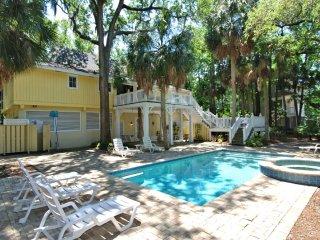 Southern Beach Living, Private Pool & Spa, Short Walk to Beach - Hilton Head vacation rentals