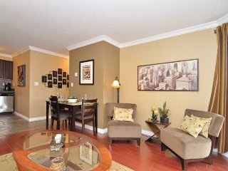 Eclectic Downtown Vancouver 1 Bedroom Condo in the West End - Vancouver vacation rentals