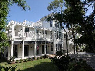 Perfect 6 bedroom House in Seagrove Beach with Deck - Seagrove Beach vacation rentals