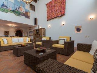 Incredible 6 Bedroom Hideaway in Old Town - Cartagena vacation rentals