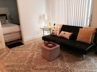 West Hollywood #2 Cute1 Bedroom Apartment with Patio (4696) - West Hollywood vacation rentals