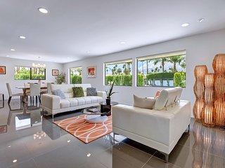 Contemporary Elegance - Palm Springs vacation rentals