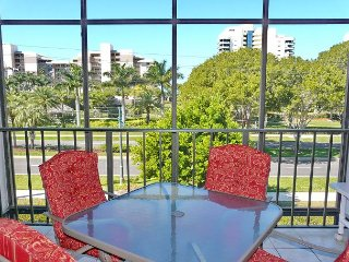 Stylish condo in unbeatable location across the street from South Beach - Marco Island vacation rentals