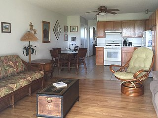 Beautiful Condo in Ualapue with Shared Outdoor Pool, sleeps 4 - Ualapue vacation rentals
