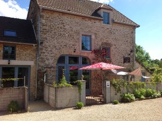 Au cheval bleu- in the heart of beautiful Burgundy - Fontenay-pres-Vezelay vacation rentals