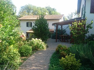 MOULIN DE FARGAS : grand  studio 2 personnes - Saint Jean Pied de Port vacation rentals